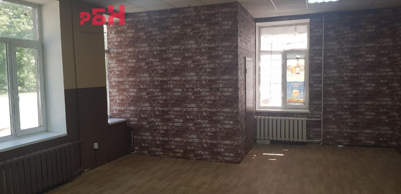 Аренда коммерческой недвижимости, 75м <sup>2</sup>, Екатеринбург, Серова ул.,  2