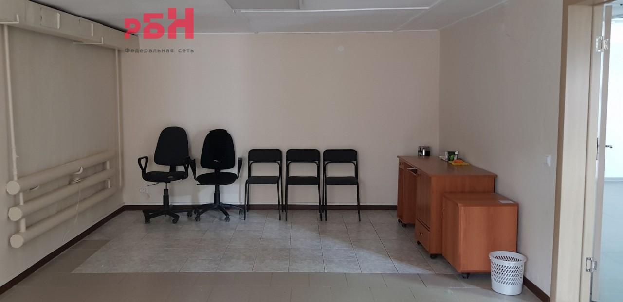 Продажа коммерческой недвижимости, 2700м <sup>2</sup>, Ревда, Жуковского ул.,  8