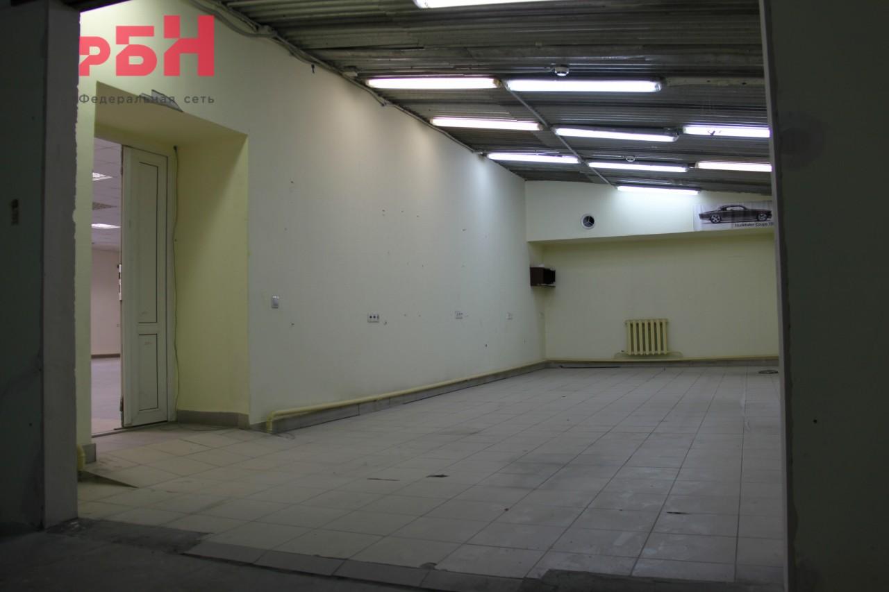 Аренда коммерческой недвижимости, 403м <sup>2</sup>, Тюмень, Республики ул.,  246
