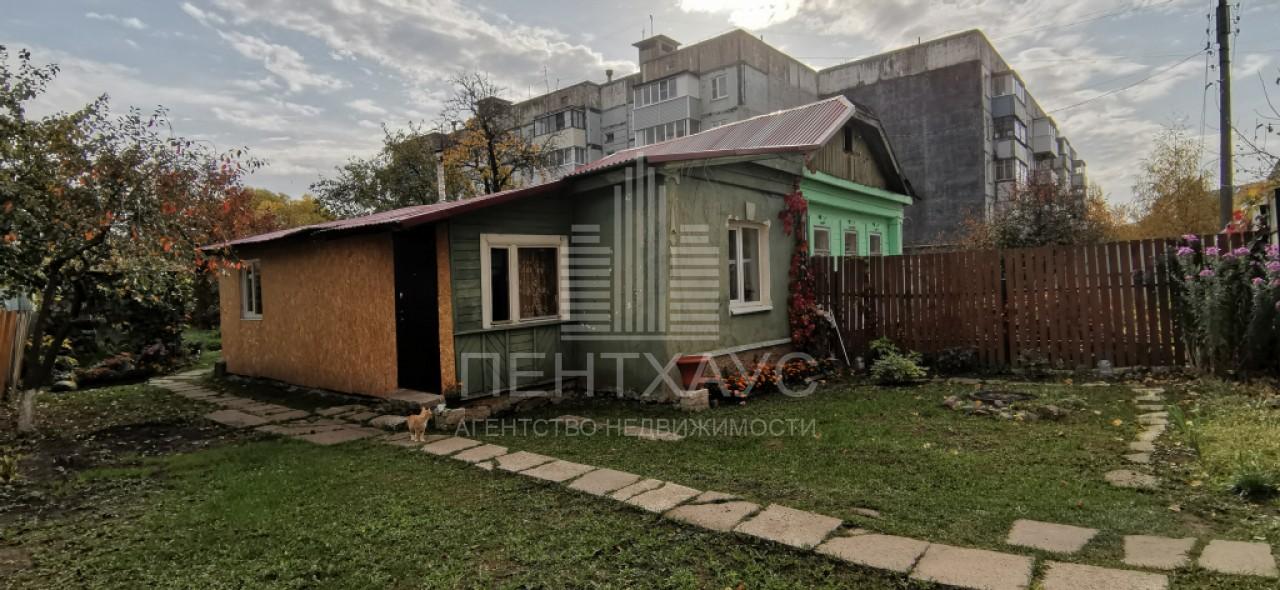 г. Владимир, 9 Января ул., 4, дом кирпичный с участком 10.00 сотка на продажу