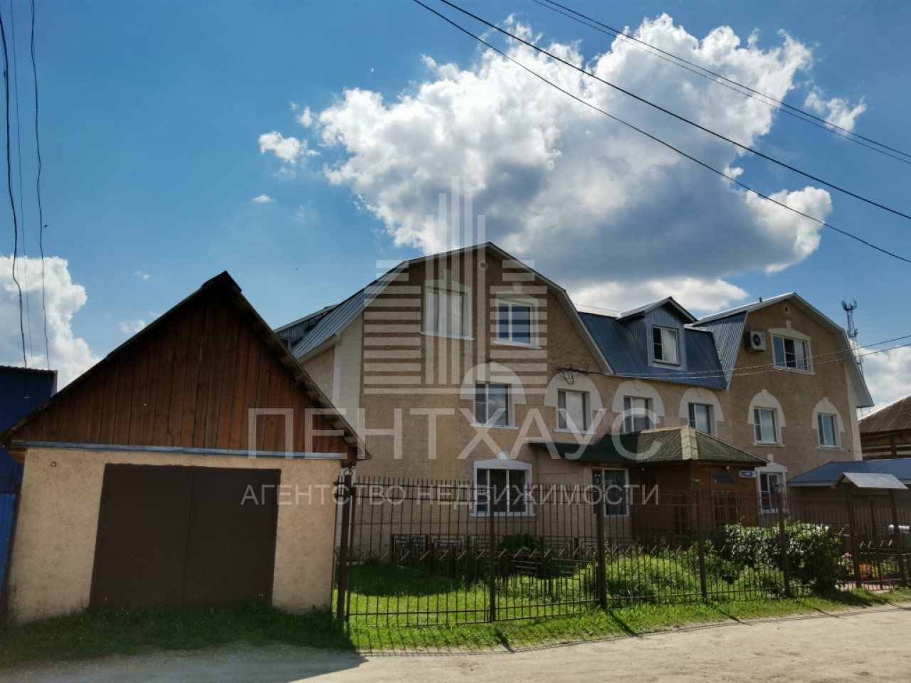 Бег п., Спортивная ул., 3, дом кирпичный с участком 25.00 сотка на продажу