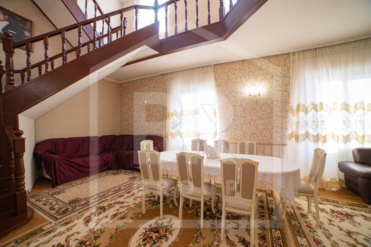 Продажа дома, 386м <sup>2</sup>, 6 сот., Петергоф, Кооперативная ул.,  14