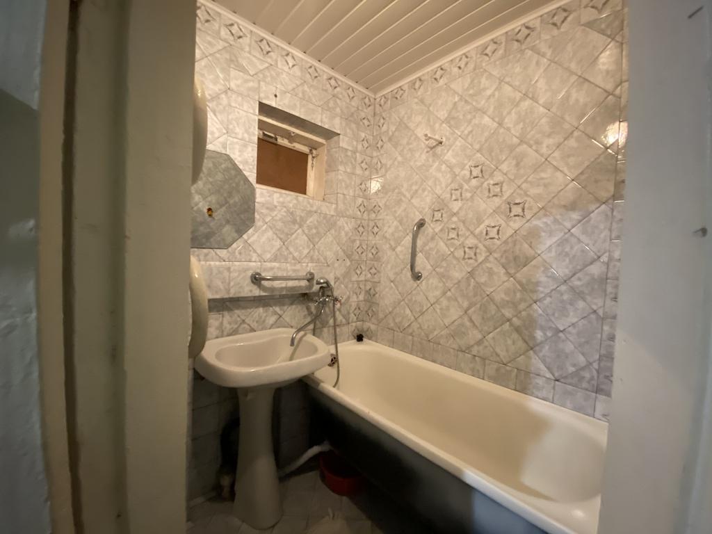 Квартира 3 комнатная в г. Майкоп район Шовгеновский городок