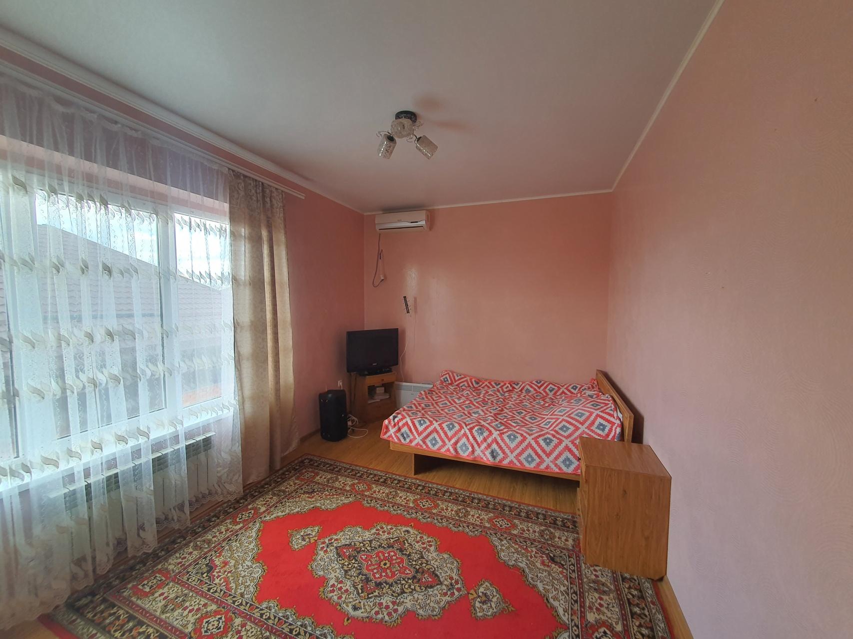 Квартира 1 комнатная в г. Майкоп район Казачий рынок