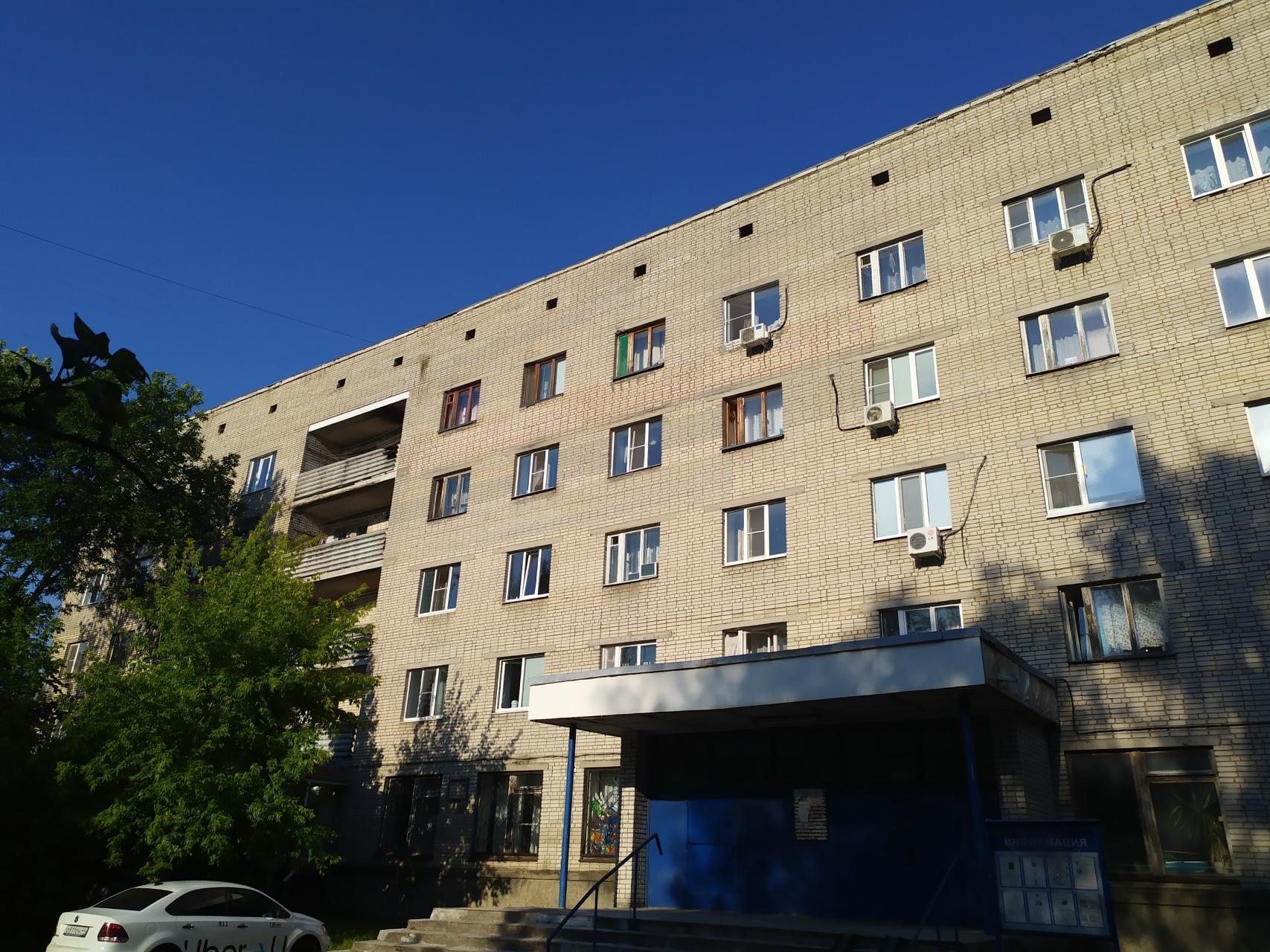 Юрьевец мкр., Институтский городок, 9, комната на продажу